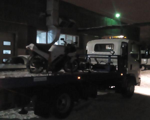 Ночная эвакуация - мотоцикл