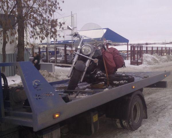 Мотоцикл на эвакуаторе