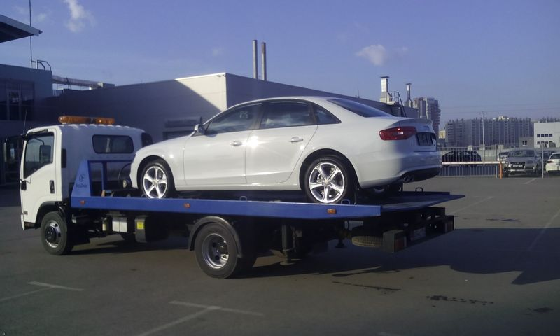 Эвакуация Audi A4